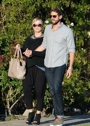 Jennie Garth with fiance David Abrams -03