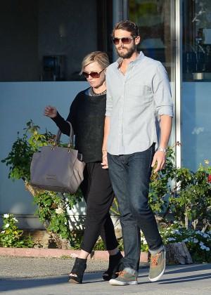 Jennie Garth with fiance David Abrams -05