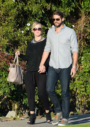 Jennie Garth with fiance David Abrams -08