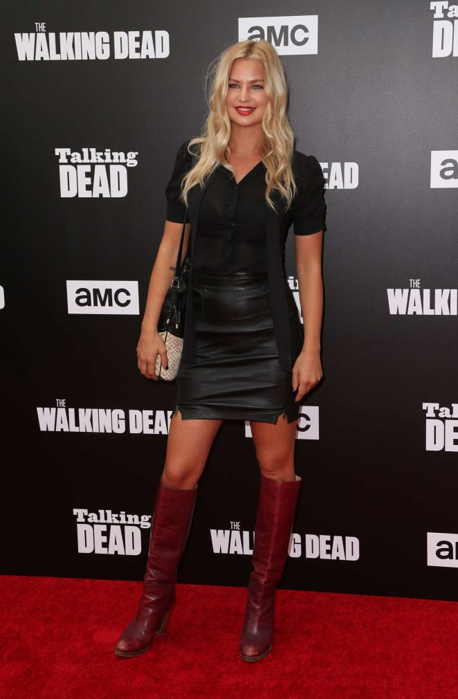 Jennifer Ackerman – 'The Walking Dead' Season 7 Premiere