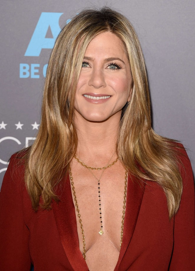Jennifer Aniston: 2015 Critics Choice Movie Awards -12