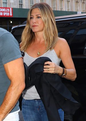 Jennifer Aniston and Justin Theroux out for dinner in New York