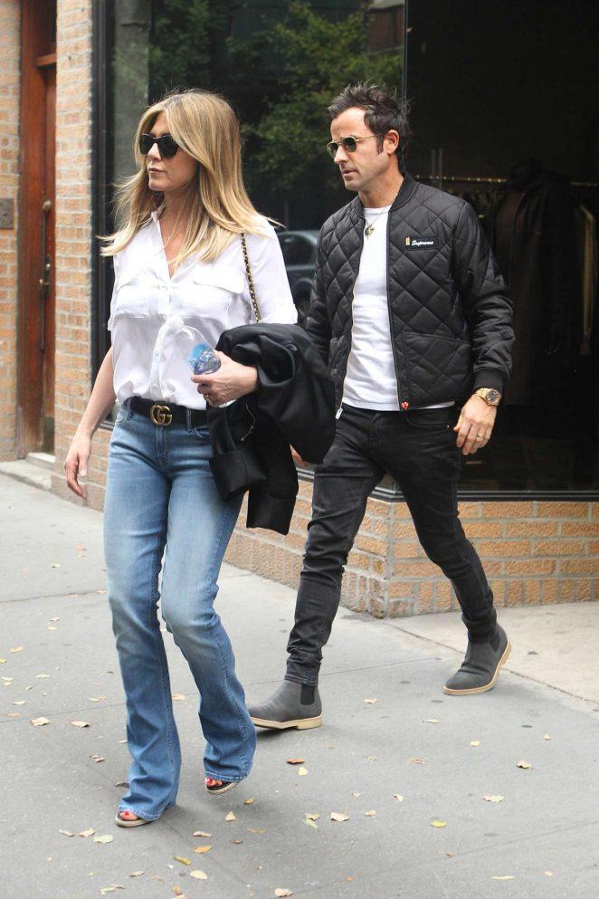 Jennifer Aniston and Justin Theroux Shopping -01