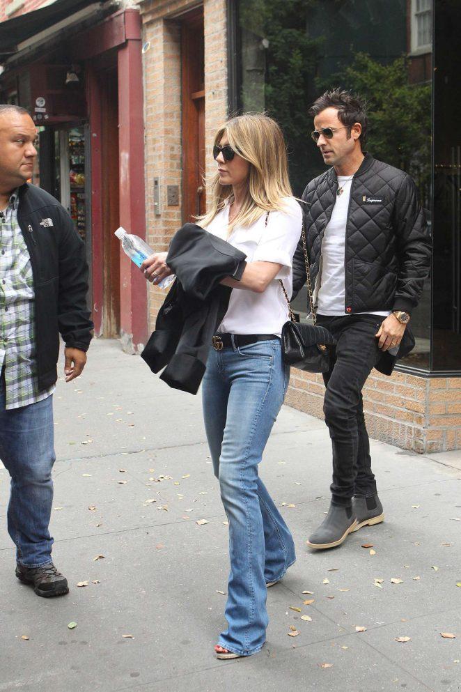 Jennifer Aniston and Justin Theroux Shopping -08