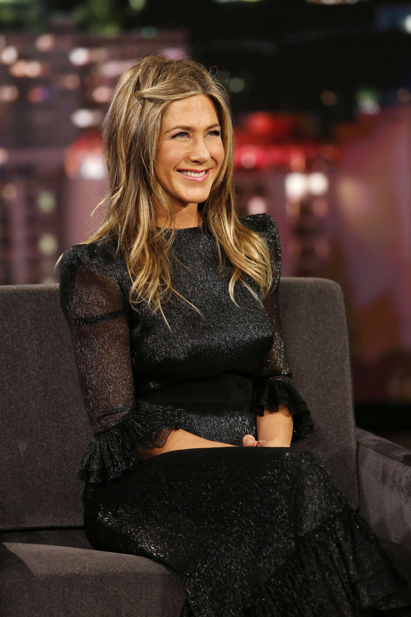 Jennifer Aniston – Apperiance on Jimmy Kimmel Live in ...