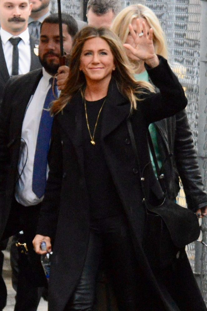 Jennifer Aniston – Arrives at 'Jimmy Kimmel Live' in Los Angeles