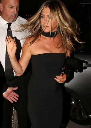 Jennifer Aniston - Arriving to Gwyneth Paltrow's Black Tie Event in LA