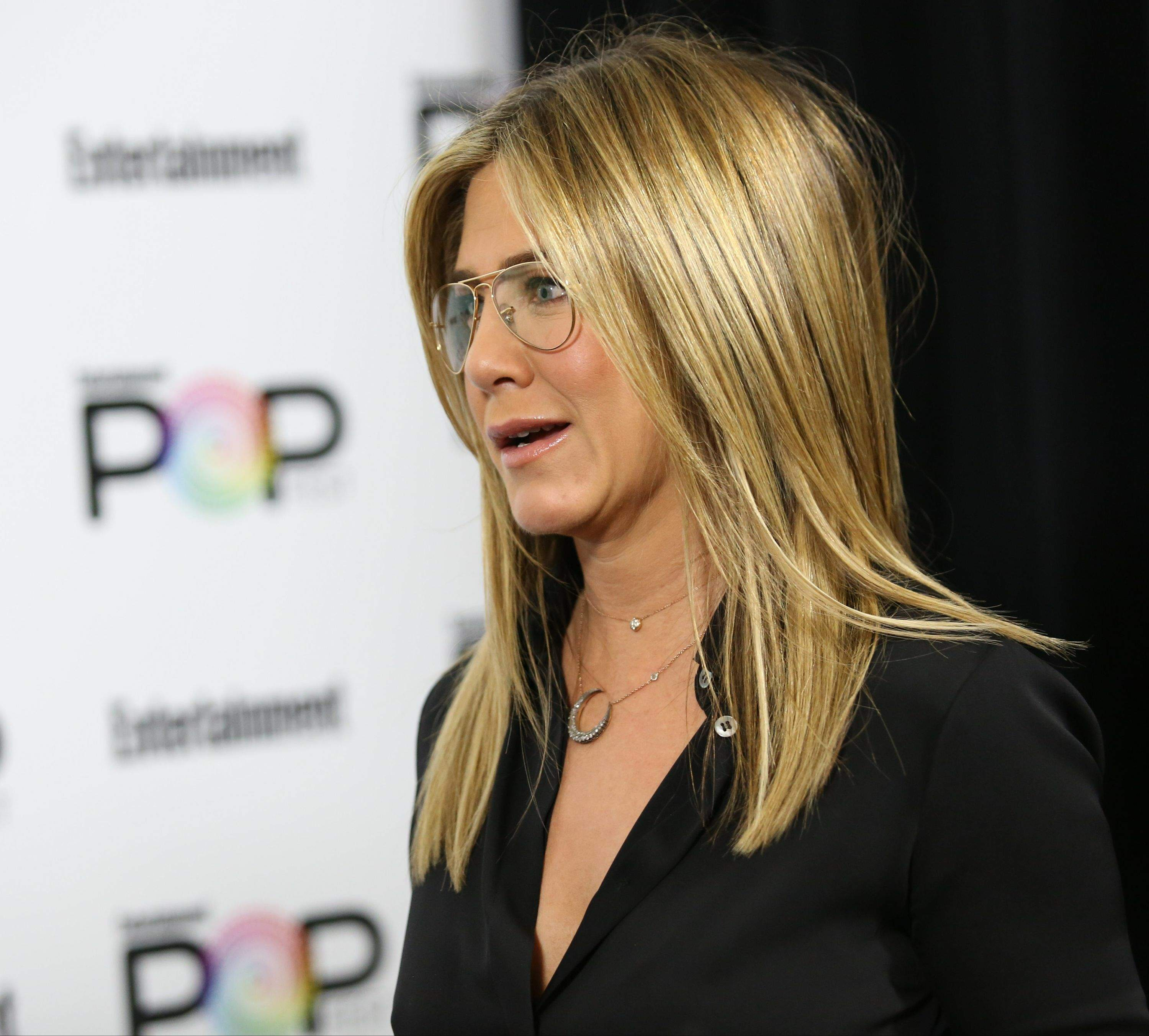 Jennifer Aniston – Entertainment Weekly PopFest in Los Angeles   Jennifer-Aniston:-Entertainment-Weekly-PopFest--04