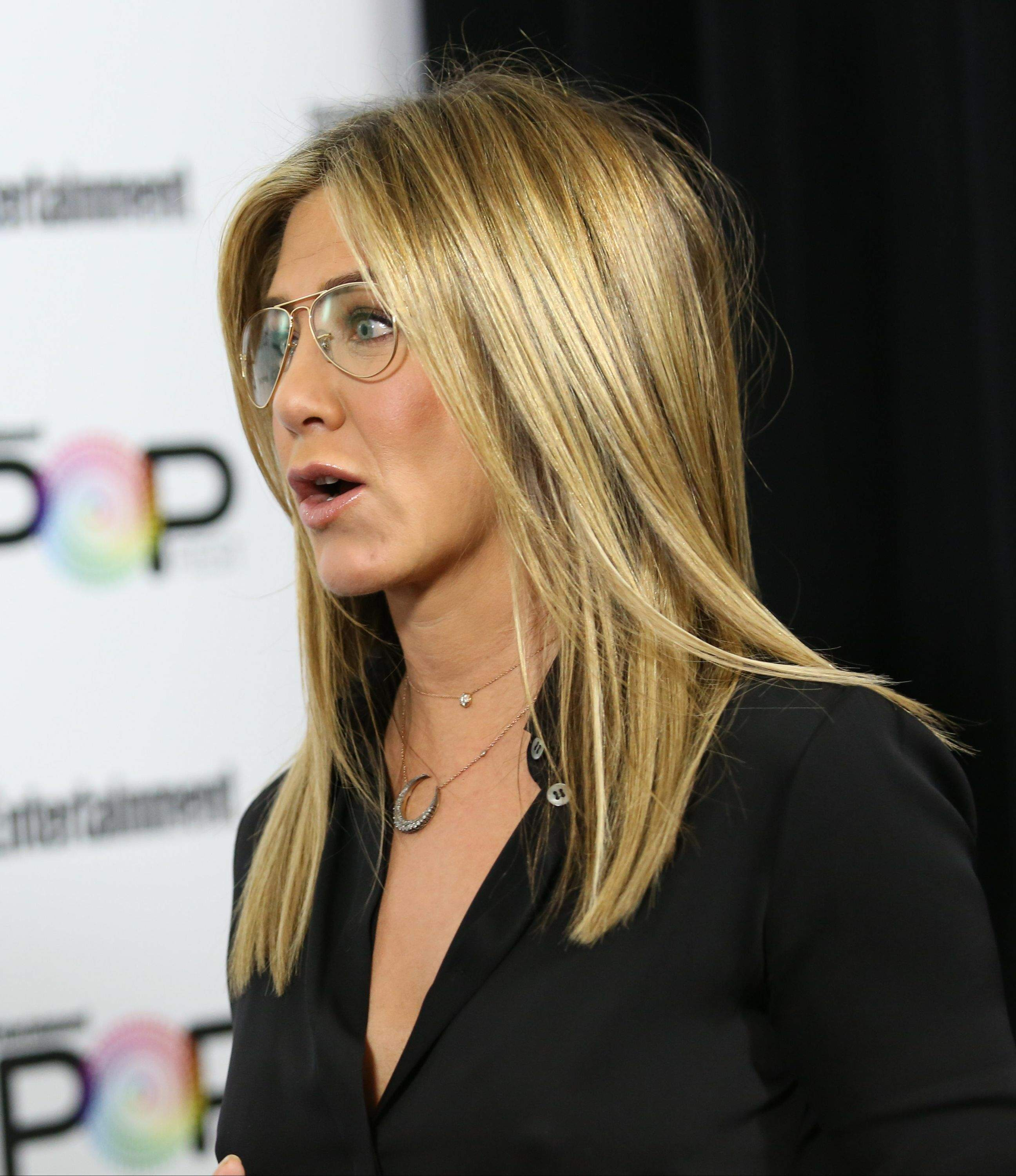 Jennifer Aniston – Entertainment Weekly PopFest in Los Angeles   Jennifer-Aniston:-Entertainment-Weekly-PopFest--07