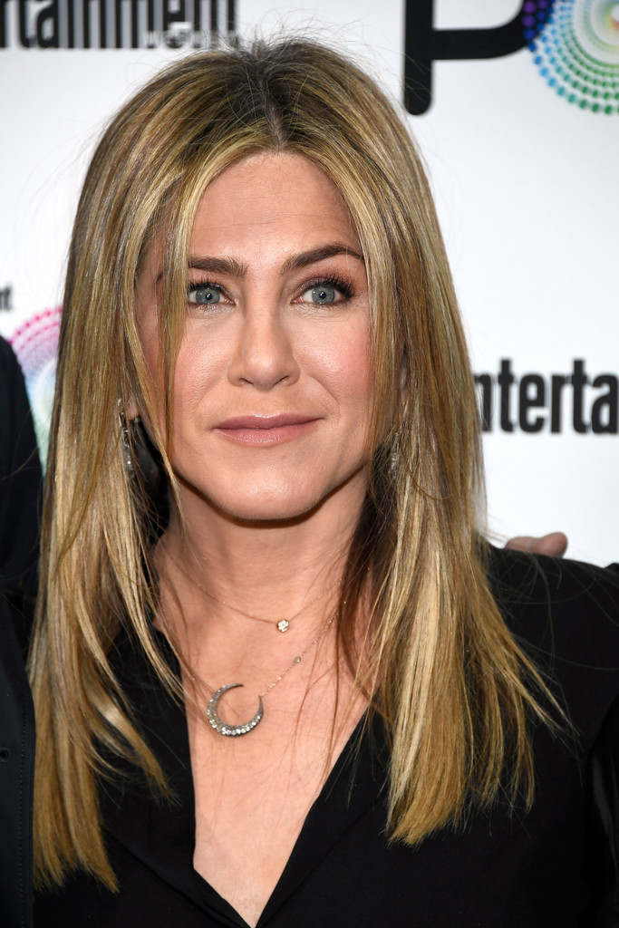 Jennifer Aniston – Entertainment Weekly PopFest in Los Angeles   Jennifer-Aniston:-Entertainment-Weekly-PopFest--08