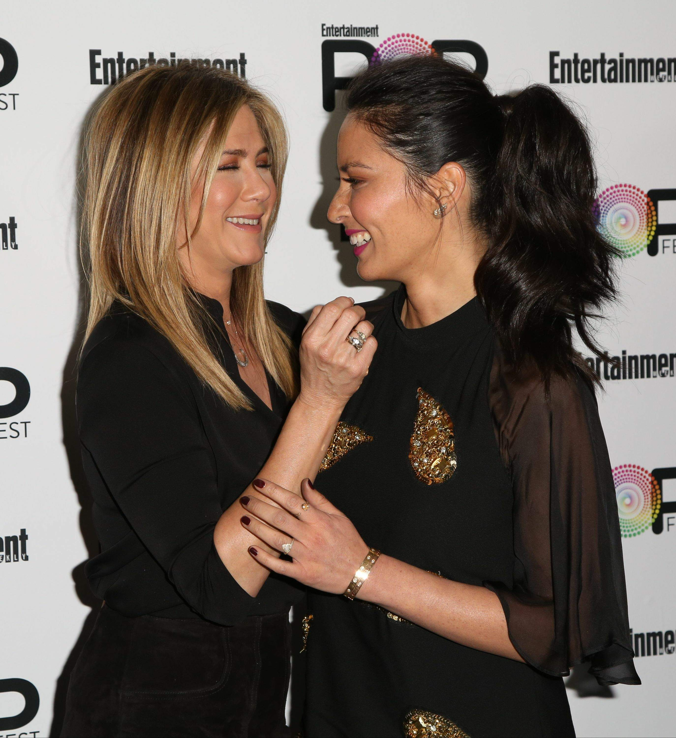 Jennifer Aniston – Entertainment Weekly PopFest in Los Angeles   Jennifer-Aniston:-Entertainment-Weekly-PopFest--14