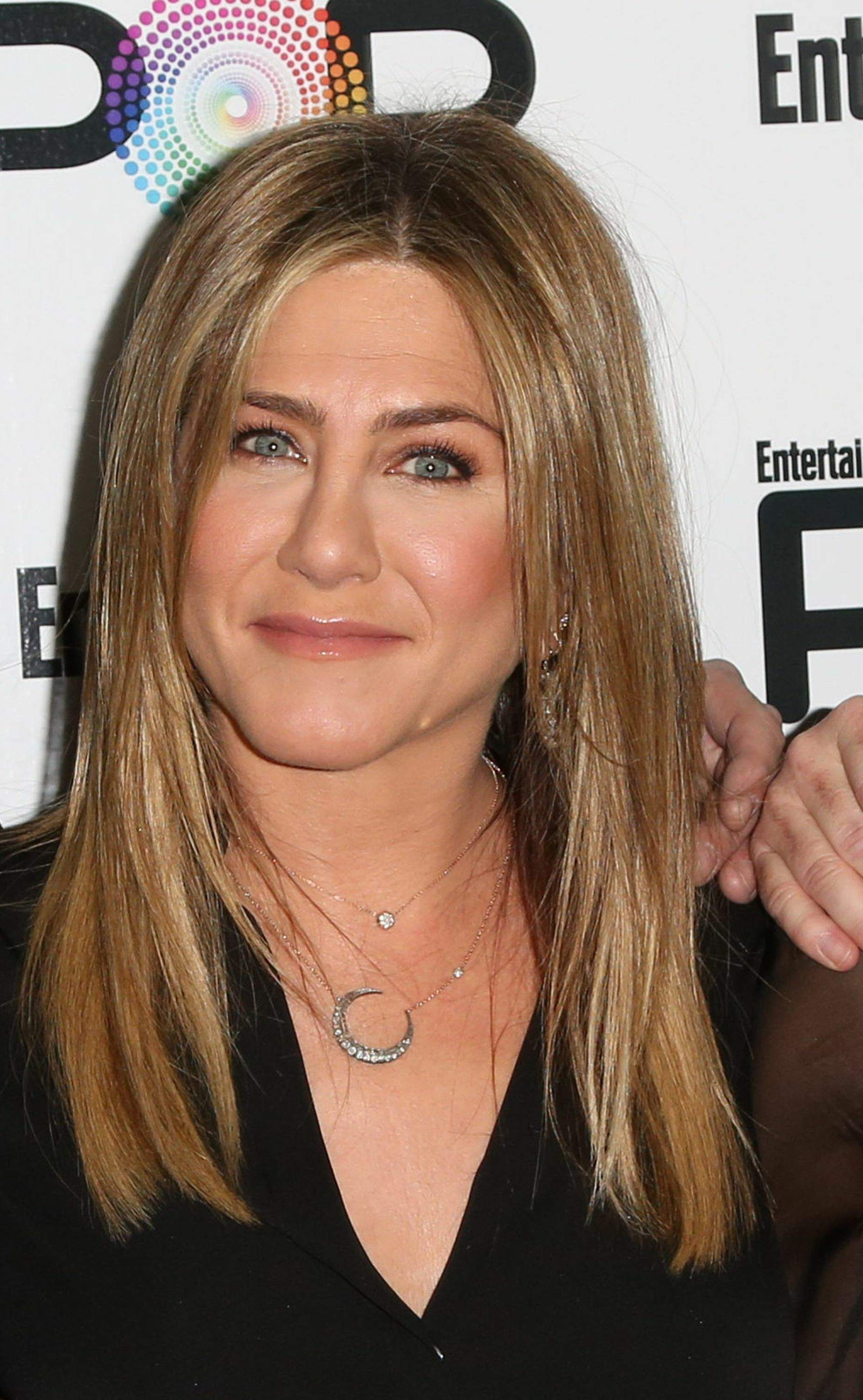 Jennifer Aniston – Entertainment Weekly PopFest in Los Angeles   Jennifer-Aniston:-Entertainment-Weekly-PopFest--26