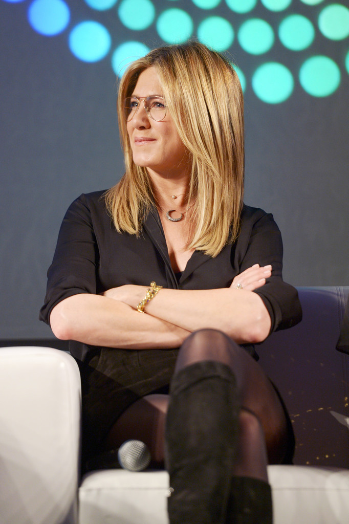 Jennifer Aniston – Entertainment Weekly PopFest in Los Angeles   Jennifer-Aniston:-Entertainment-Weekly-PopFest--28
