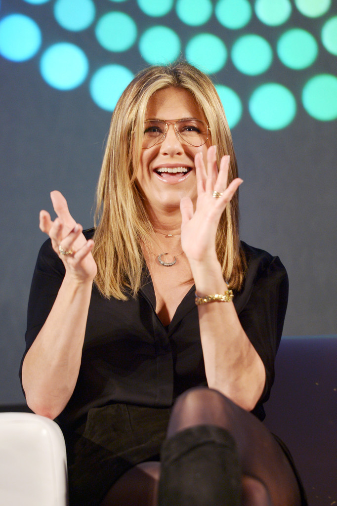 Jennifer Aniston – Entertainment Weekly PopFest in Los Angeles   Jennifer-Aniston:-Entertainment-Weekly-PopFest--31