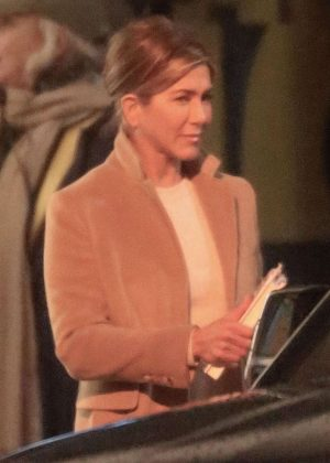 Jennifer Aniston - Film scenes for 'The Morning Show' in Los Angeles
