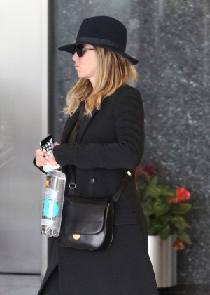 Jennifer Aniston - Heads to the skin care spa in Beverly Hills