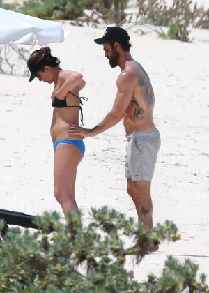 Jennifer Aniston in Bikini 2016 -03