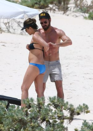 Jennifer Aniston in Bikini 2016 -06