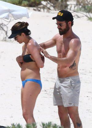 Jennifer Aniston in Bikini 2016 -08