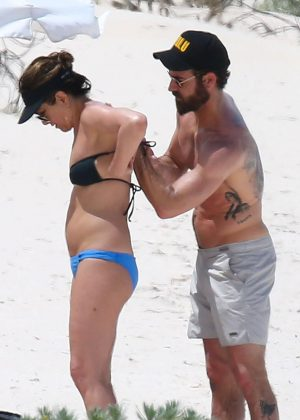 Jennifer Aniston in Bikini 2016 -23