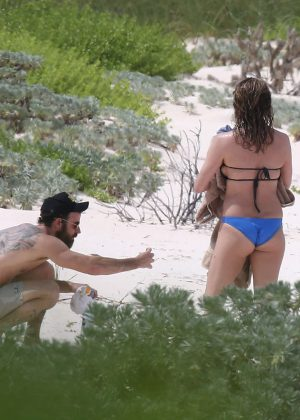 Jennifer Aniston in Bikini 2016 -24