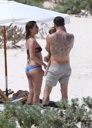 Jennifer Aniston in Bikini 2016 -33