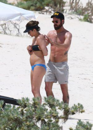 Jennifer Aniston in Bikini 2016 -34