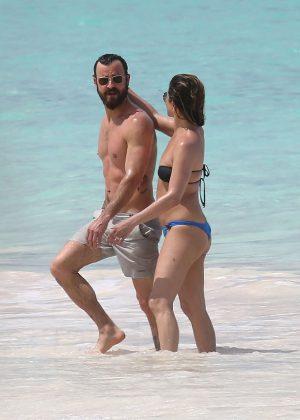 Jennifer Aniston in Bikini 2016 -36