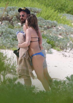 Jennifer Aniston in Bikini 2016 -37