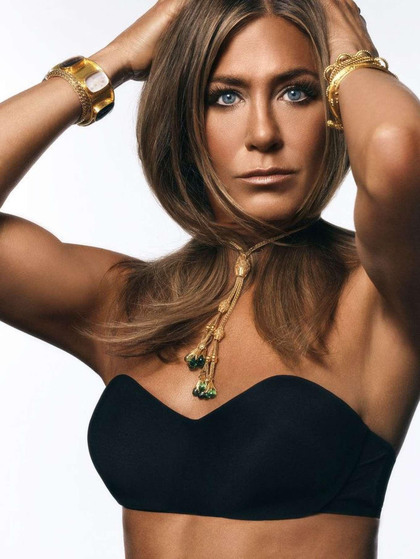 Jennifer Aniston - InStyle Magazine (October 2019) adds
