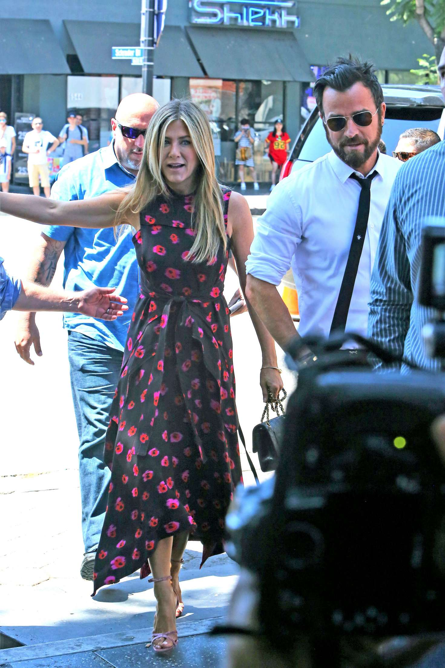 Jennifer Aniston – Jason Bateman Hollywood Walk Of Fame Ceremony in Hollywood   Jennifer-Aniston:-Jason-Bateman-Hollywood-Walk-Of-Fame-Ceremony--04