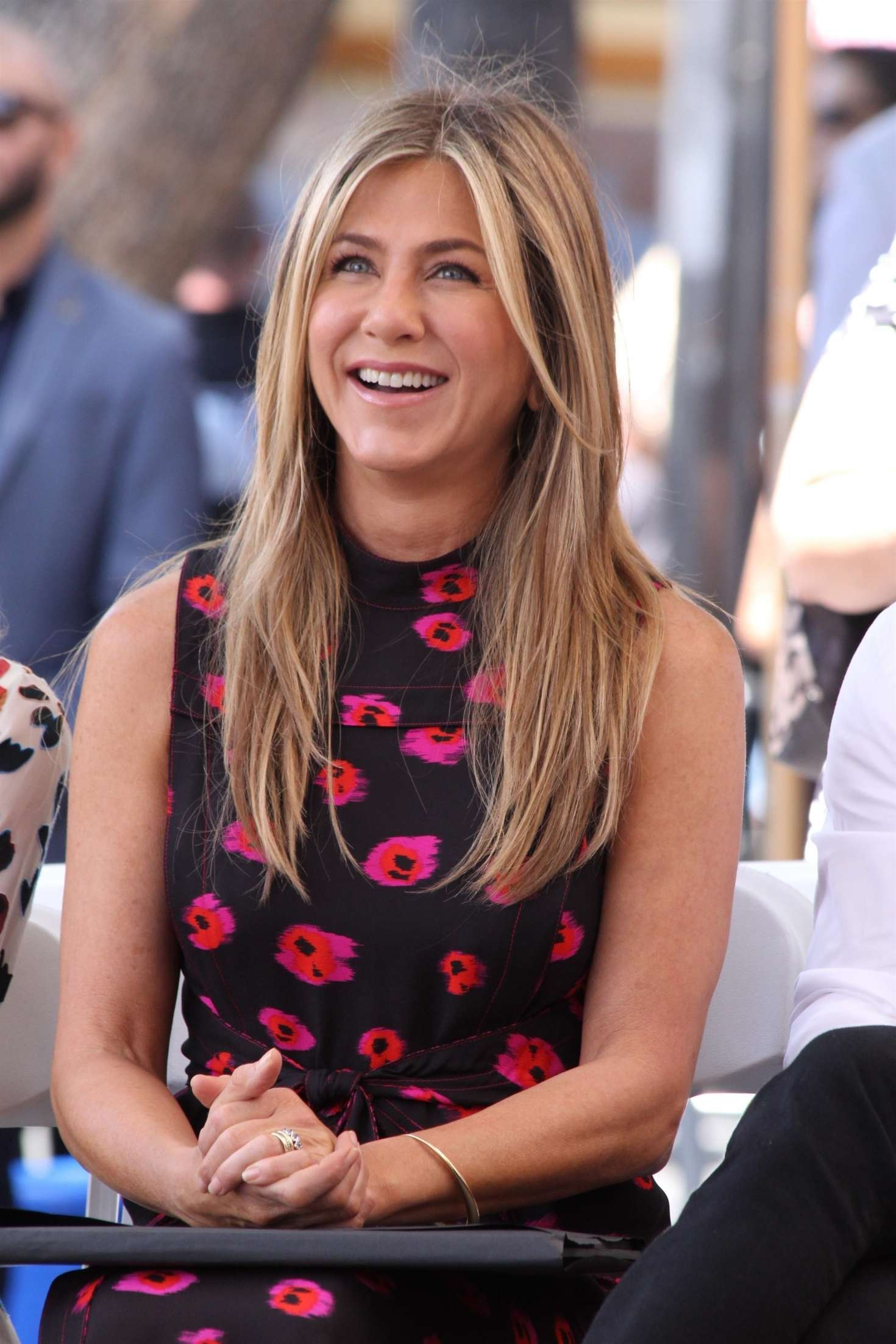 Jennifer Aniston – Jason Bateman Hollywood Walk Of Fame Ceremony in Hollywood   Jennifer-Aniston:-Jason-Bateman-Hollywood-Walk-Of-Fame-Ceremony--06