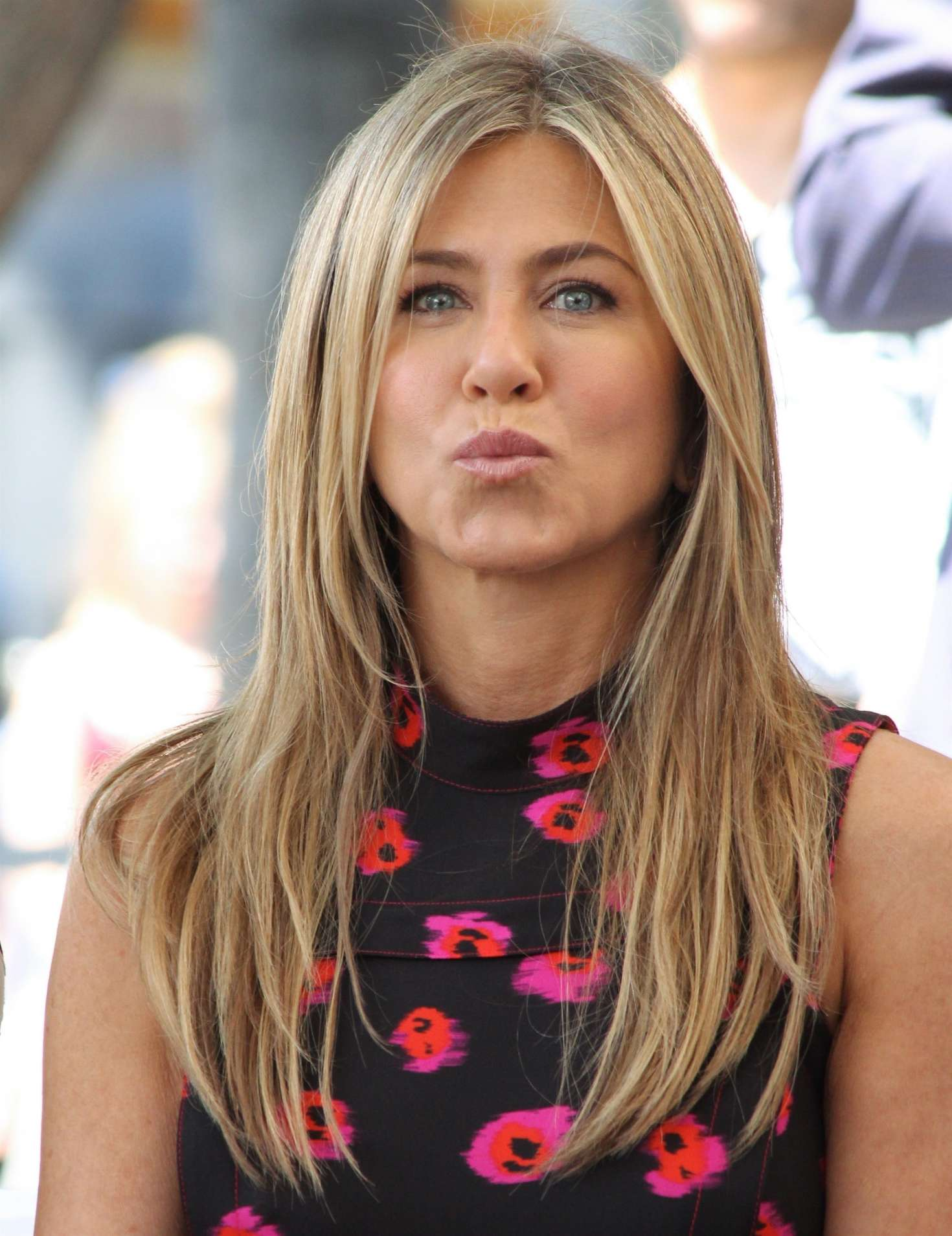 Jennifer Aniston – Jason Bateman Hollywood Walk Of Fame Ceremony in Hollywood   Jennifer-Aniston:-Jason-Bateman-Hollywood-Walk-Of-Fame-Ceremony--22
