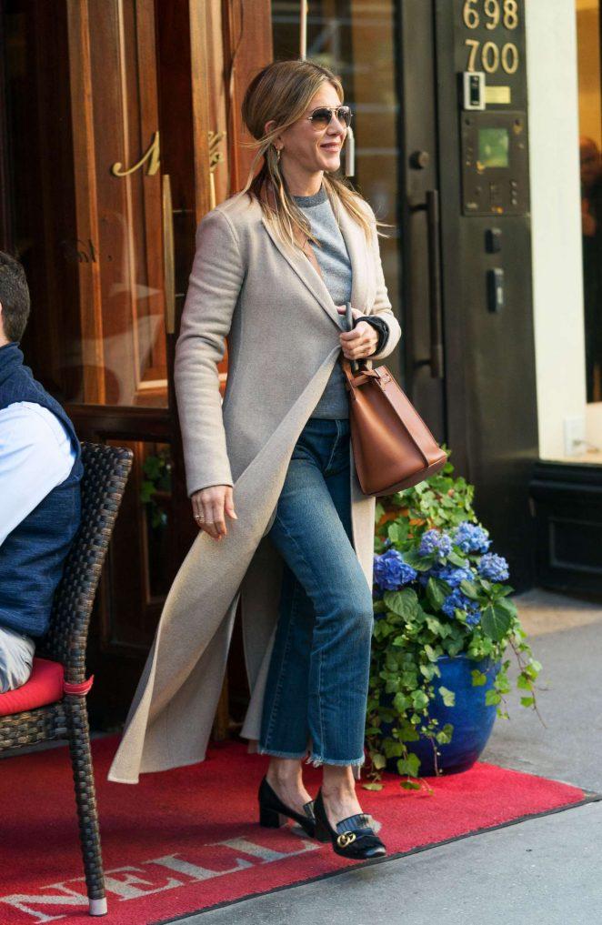 Jennifer Aniston - Leaves Nello Restaurant in New York