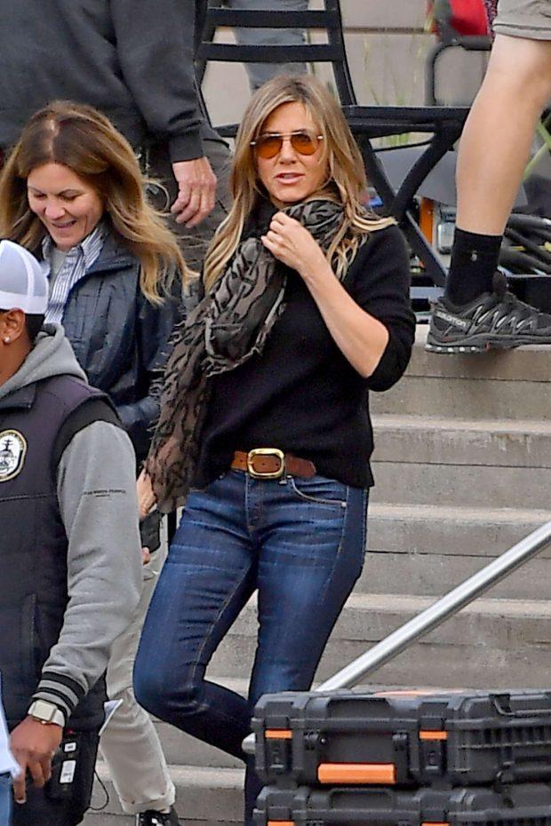 Jennifer Aniston: Leaves set of her new show for Apple -05