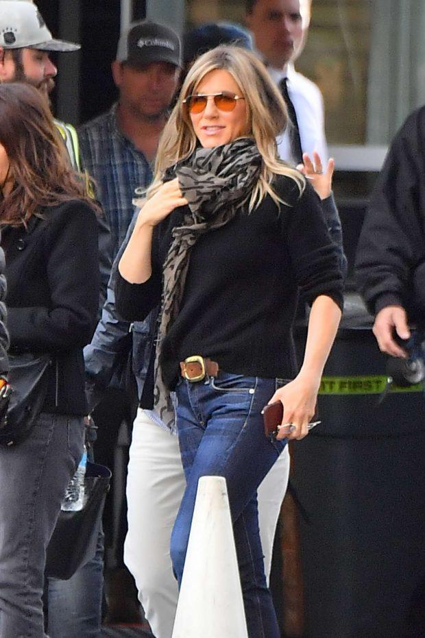 Jennifer Aniston: Leaves set of her new show for Apple -06