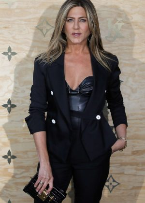 Jennifer Aniston - Louis Vuitton & Jeff Koons Masters Collection Collaboration in Paris