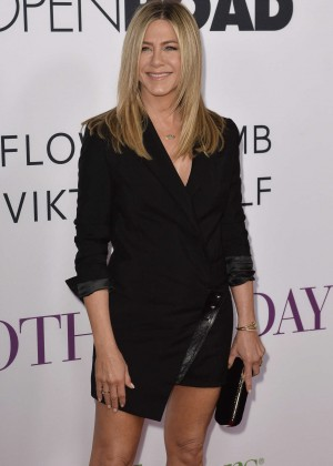 Jennifer Aniston - 'Mother's Day' Premiere in Hollywood