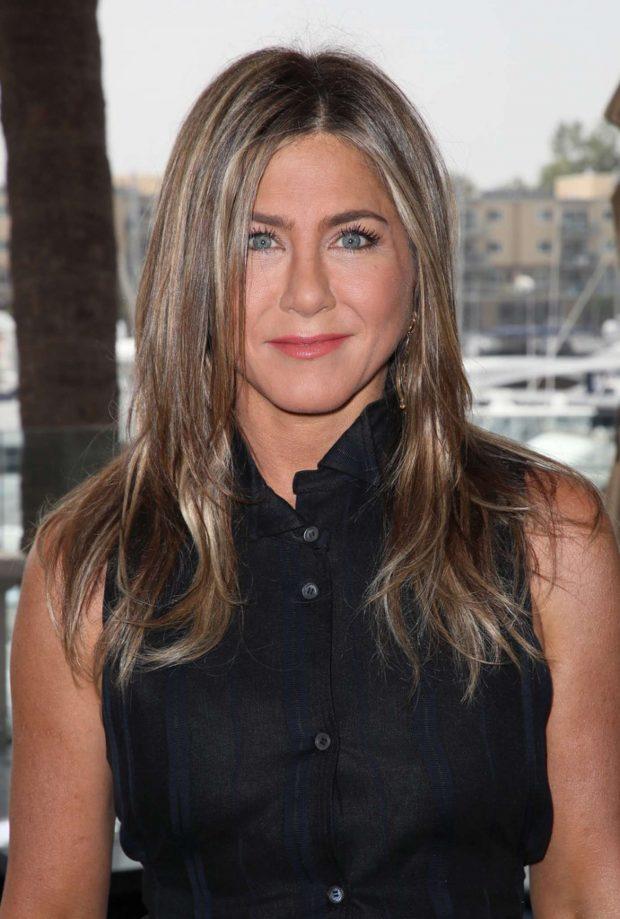 Jennifer Aniston - Netflix's Murder Mystery photocall in Marina del Rey
