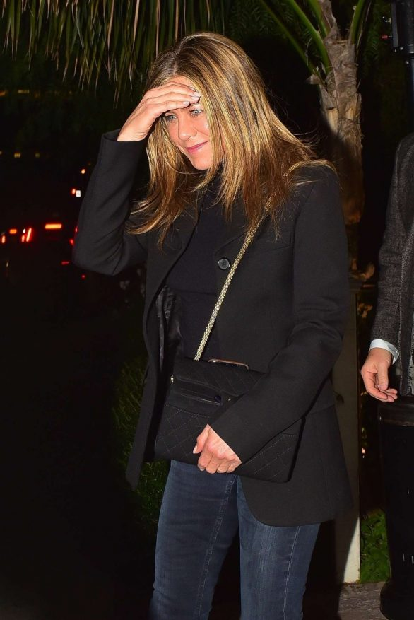 Jennifer Aniston - Night out at San Vicente Bungalow in West Hollywood