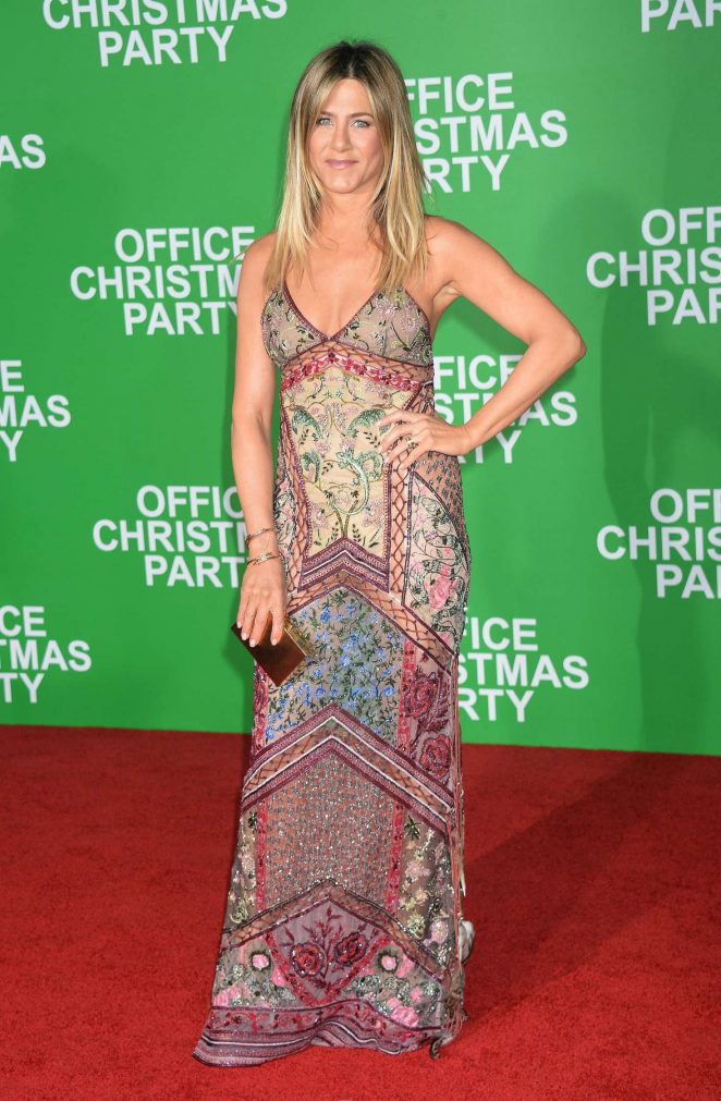 Jennifer Aniston - 'Office Christmas Party' Premiere in Los Angeles