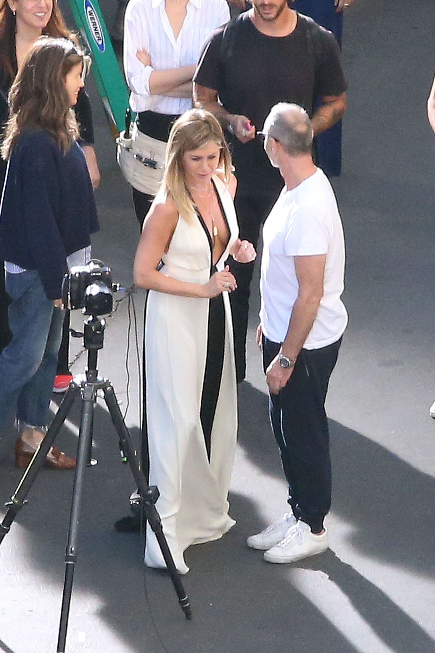 Jennifer Aniston on a photoshoot in Los Angeles   Jennifer-Aniston-on-a-photoshoot-in-Los-Angeles--02