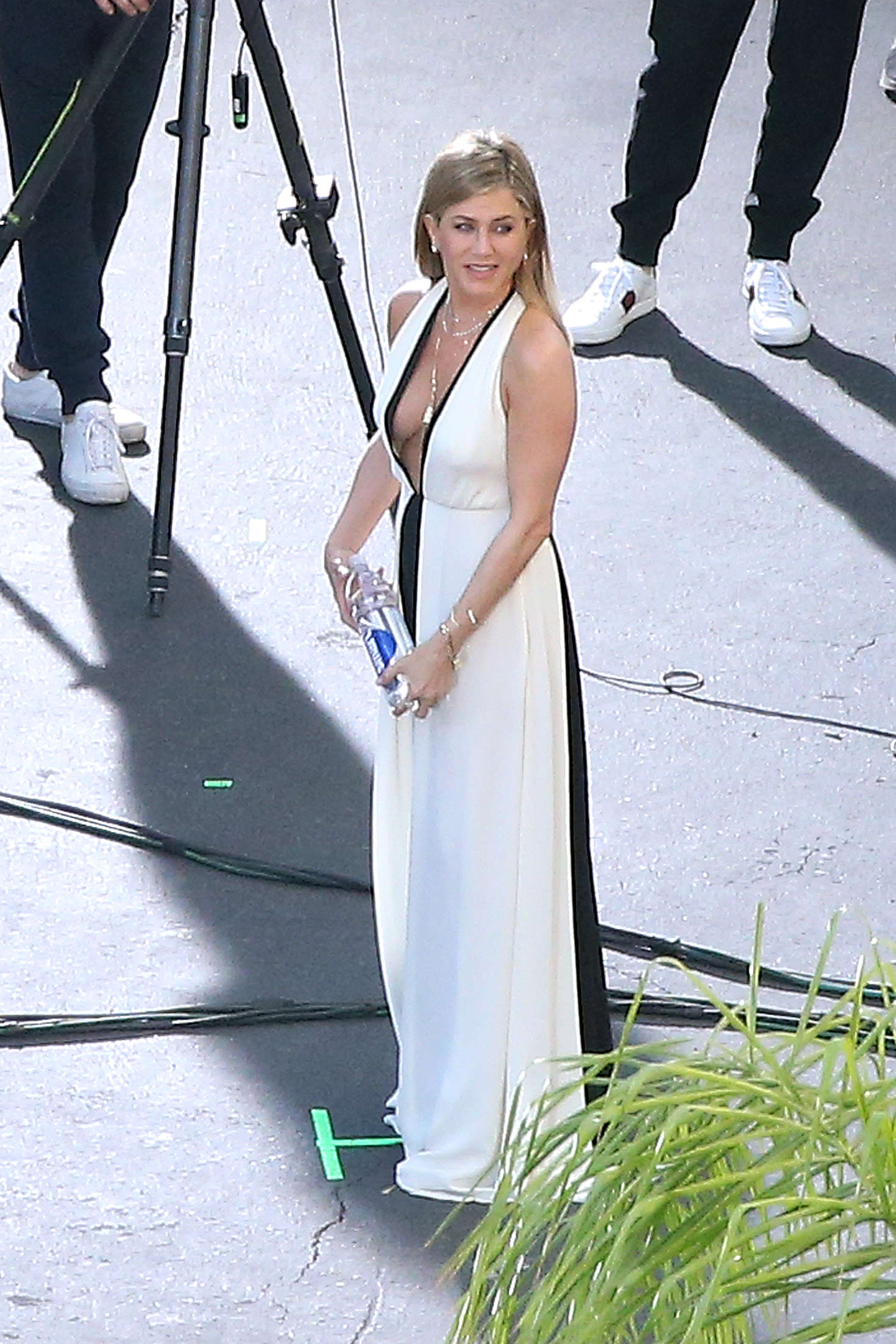 Jennifer Aniston on a photoshoot in Los Angeles   Jennifer-Aniston-on-a-photoshoot-in-Los-Angeles--16