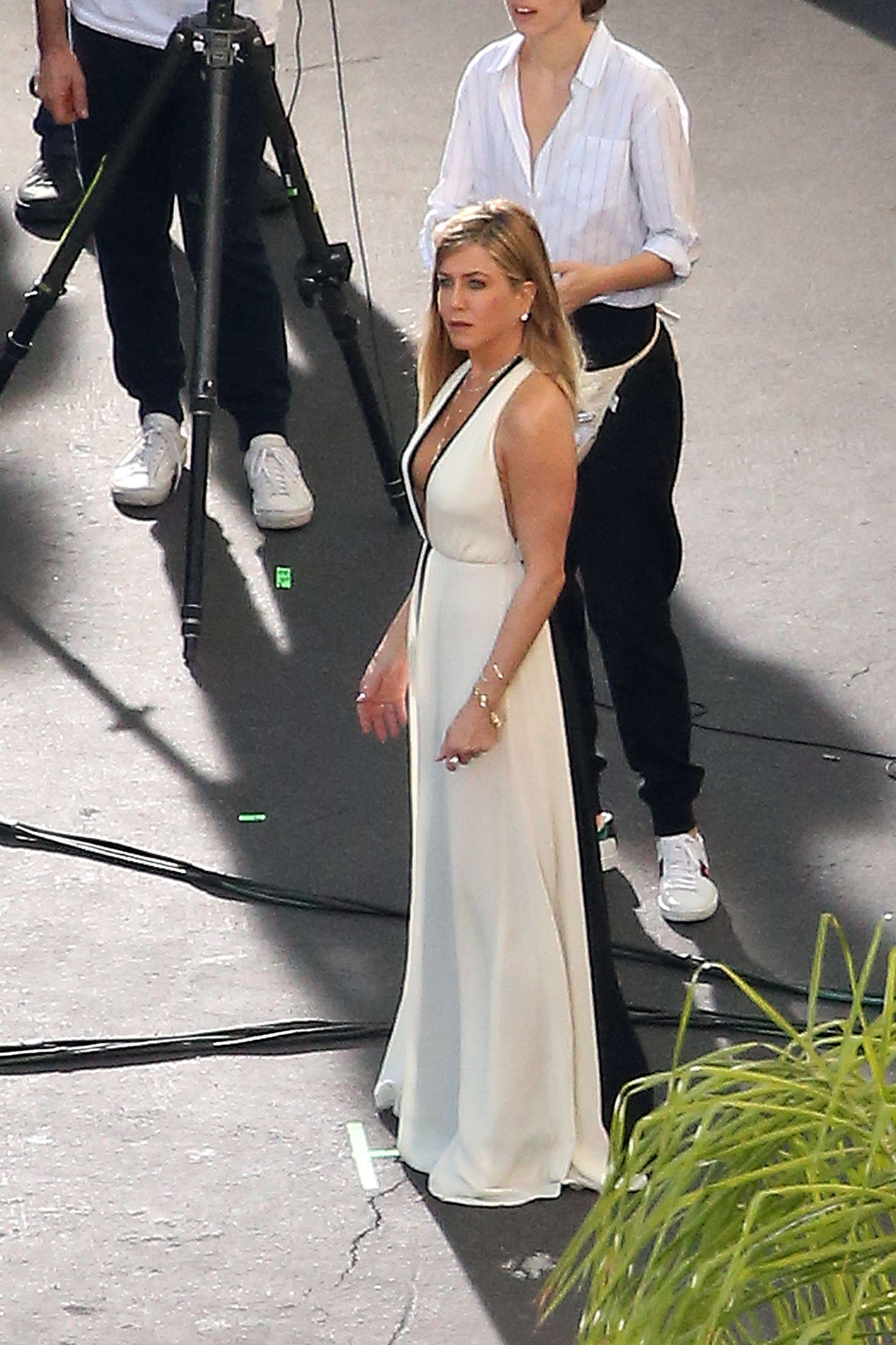 Jennifer Aniston on a photoshoot in Los Angeles   Jennifer-Aniston-on-a-photoshoot-in-Los-Angeles--21