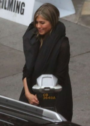 Jennifer Aniston - On the set of 'Murder Mystery' in Los Angeles