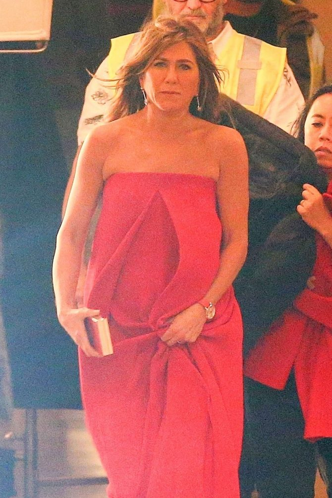 Jennifer Aniston – On the set of new TV show 'Top Of The Morning' in Los Angeles
