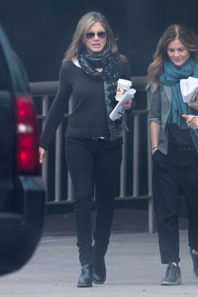 Jennifer Aniston on the Set of The Yellow Bird -05
