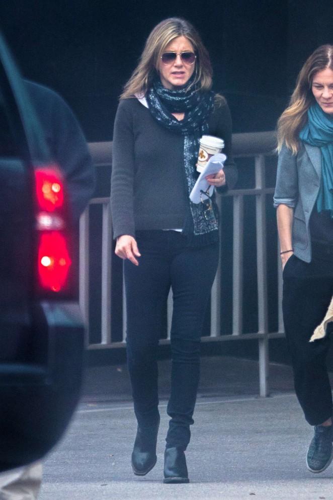 Jennifer Aniston on the Set of The Yellow Bird -09