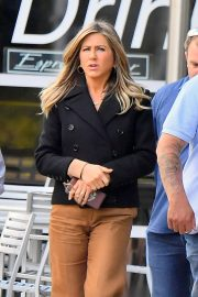 Jennifer Aniston - Out and about in Los Angeles