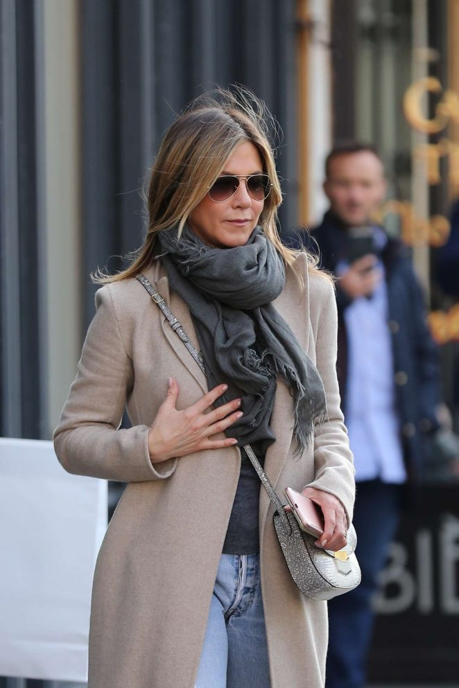 Jennifer Aniston out shopping in Paris